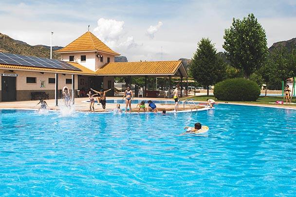 Piscina d'estiu, Splash Parc i piscina climatitzada